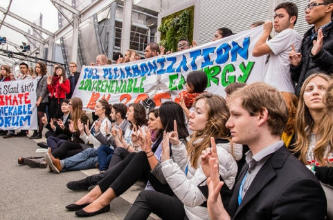 COP21 youth action 590 NewInt