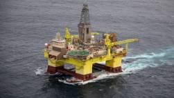 OMV drill rig Geoff Reid Greenpeace 2019
